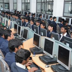 DIPLOMA IN COMPUTER OPERATOR AND PROGRAMMING ASSISTANT